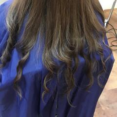 ハイライト ロング アッシュグレージュ コントラストハイライト ヘアスタイルや髪型の写真・画像