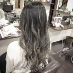 ダブルカラー エレガント ハイトーン グラデーションカラー ヘアスタイルや髪型の写真・画像