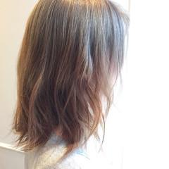 ストリート グラデーションカラー ゆるふわ ミルクティーベージュ ヘアスタイルや髪型の写真・画像