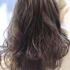 アッシュ ミディアム ナチュラル 外国人風カラー ヘアスタイルや髪型の写真・画像