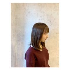 ミディアム 艶髪 ナチュラル ストレート ヘアスタイルや髪型の写真・画像