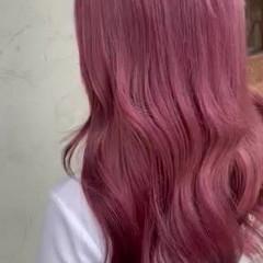 ロング ガーリー ダブルカラー ベリーピンク ヘアスタイルや髪型の写真・画像