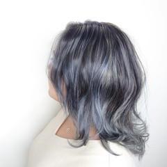 可愛い ブリーチ必須 セミロング シルバーアッシュ ヘアスタイルや髪型の写真・画像