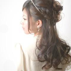 フェミニン 結婚式 編み込み 二次会 ヘアスタイルや髪型の写真・画像