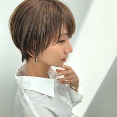 ショート ショートヘア ハンサムショート ナチュラル ヘアスタイルや髪型の写真・画像