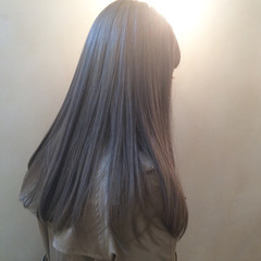アッシュ 外国人風 ロング ストリート ヘアスタイルや髪型の写真・画像