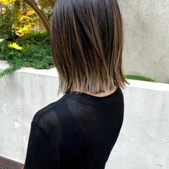 グラデーションカラー ストリート アッシュ セミロング ヘアスタイルや髪型の写真・画像