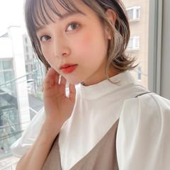 ミディアム レイヤーカット ナチュラル 小顔ヘア ヘアスタイルや髪型の写真・画像