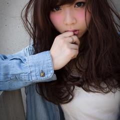 前髪あり 暗髪 セミロング 無造作 ヘアスタイルや髪型の写真・画像