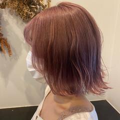 大人かわいい ガーリー ボブ ピンクベージュ ヘアスタイルや髪型の写真・画像