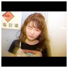パーマ 前髪あり ハイライト インナーカラー ヘアスタイルや髪型の写真・画像