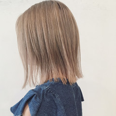 ホワイトアッシュ 外ハネ モード 外国人風 ヘアスタイルや髪型の写真・画像