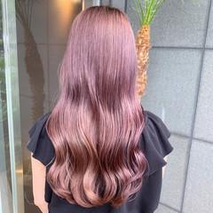 ピンクアッシュ ピンクベージュ ラベンダーピンク ロング ヘアスタイルや髪型の写真・画像