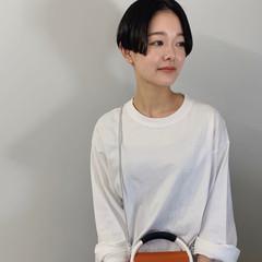ファッション 黒髪 センターパート ショート ヘアスタイルや髪型の写真・画像