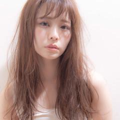 ロングヘアスタイル ナチュラル ミルクティーベージュ レイヤースタイル ヘアスタイルや髪型の写真・画像