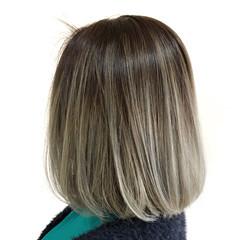フェミニン ボブ ホワイトブリーチ ブリーチ ヘアスタイルや髪型の写真・画像