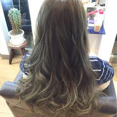 ガーリー ロング アッシュ グラデーションカラー ヘアスタイルや髪型の写真・画像
