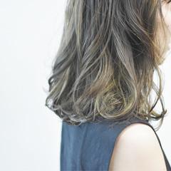 グラデーションカラー デート ストリート ミディアム ヘアスタイルや髪型の写真・画像
