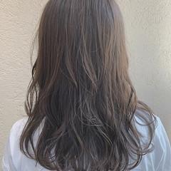 オリーブグレージュ セミロング グレージュ オリーブベージュ ヘアスタイルや髪型の写真・画像