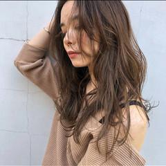 セミロング ナチュラル 簡単スタイリング ミディアムレイヤー ヘアスタイルや髪型の写真・画像