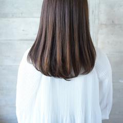 セミロング ストレート 艶髪 ナチュラル ヘアスタイルや髪型の写真・画像