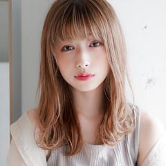 毛先パーマ フェミニン セミロング レイヤーカット ヘアスタイルや髪型の写真・画像