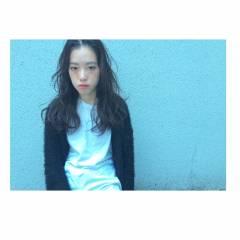 ストリート ロング ストレート 暗髪 ヘアスタイルや髪型の写真・画像