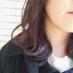 イルミナカラー ミディアム ガーリー インナーカラー ヘアスタイルや髪型の写真・画像