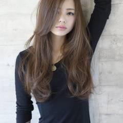 ナチュラル ゆるふわ ロング 暗髪 ヘアスタイルや髪型の写真・画像