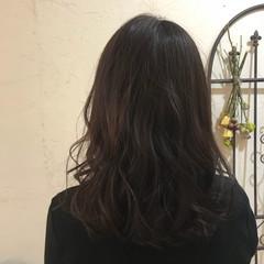 ラベンダーアッシュ ナチュラル 大人女子 イルミナカラー ヘアスタイルや髪型の写真・画像