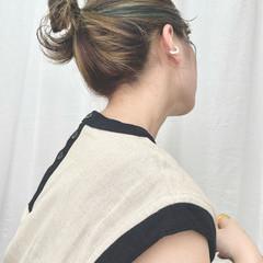 フェミニン 大人可愛い アッシュベージュ セルフヘアアレンジ ヘアスタイルや髪型の写真・画像