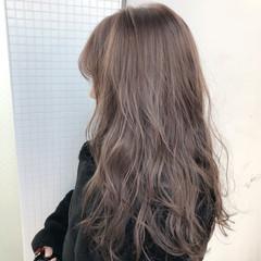 ロング ミルクティー ヘアアレンジ ナチュラル ヘアスタイルや髪型の写真・画像