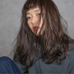 シースルーバング 外国人風 グラデーションカラー ストリート ヘアスタイルや髪型の写真・画像
