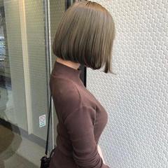 オリーブアッシュ ミントアッシュ オリーブベージュ ボブ ヘアスタイルや髪型の写真・画像