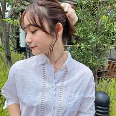 簡単ヘアアレンジ ミディアム シニヨン ウルフカット ヘアスタイルや髪型の写真・画像