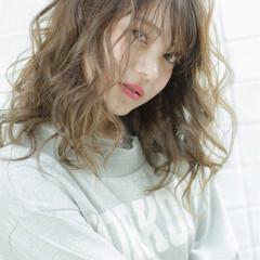 ハイライト バレイヤージュ ガーリー セミロング ヘアスタイルや髪型の写真・画像