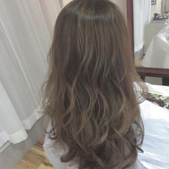 外国人風 アッシュ アッシュベージュ グラデーションカラー ヘアスタイルや髪型の写真・画像
