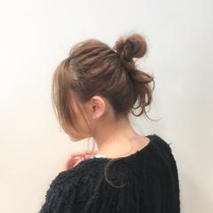 メッシーバン ショート ナチュラル ミディアム ヘアスタイルや髪型の写真・画像