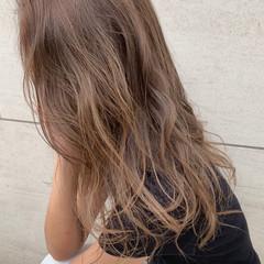 ミルクティーグレージュ ミルクティーベージュ ロング グレージュ ヘアスタイルや髪型の写真・画像