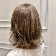 ナチュラル オフィス 外ハネ 大人女子 ヘアスタイルや髪型の写真・画像