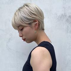 ブロンドカラー ハイトーン オシャレ デート ヘアスタイルや髪型の写真・画像