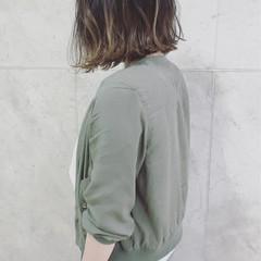 ウェーブ アンニュイ ヘアアレンジ ナチュラル ヘアスタイルや髪型の写真・画像