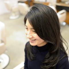 黒髪 パーマ 大人かわいい コンサバ ヘアスタイルや髪型の写真・画像