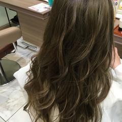 外国人風 ゆるふわ ハイライト イルミナカラー ヘアスタイルや髪型の写真・画像