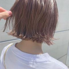 切りっぱなしボブ ハイライト ピンクベージュ ナチュラル ヘアスタイルや髪型の写真・画像