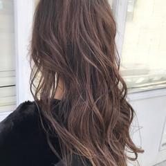 ミルクティーベージュ 巻き髪 ベージュ ロング ヘアスタイルや髪型の写真・画像