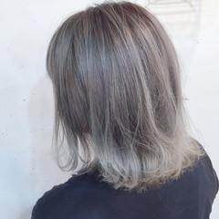 外国人風 グラデーションカラー アッシュグレージュ ホワイト ヘアスタイルや髪型の写真・画像