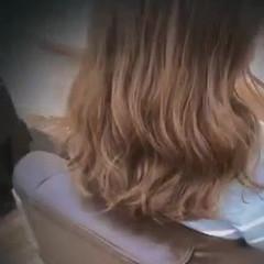 ナチュラル デジタルパーマ セミロング コテ巻き風パーマ ヘアスタイルや髪型の写真・画像