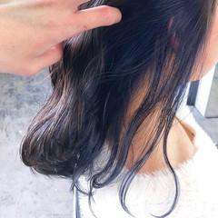 セミロング ネイビーブルー ブルーアッシュ グレージュ ヘアスタイルや髪型の写真・画像
