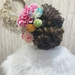 お団子アレンジ 卒業式 成人式ヘア セミロング ヘアスタイルや髪型の写真・画像